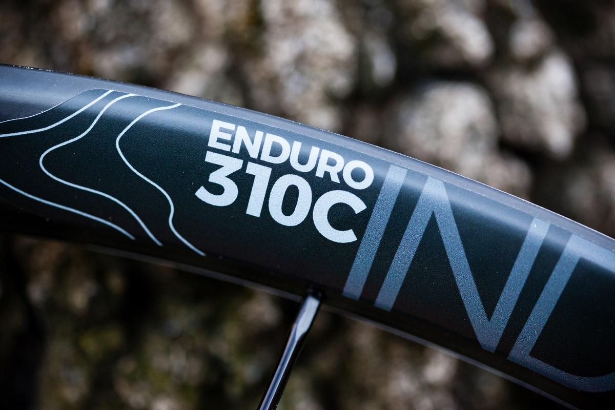 Industry Nine Enduro 310c 24h Hydra